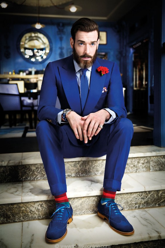 how-to-match-blue-red-menswear-580x870