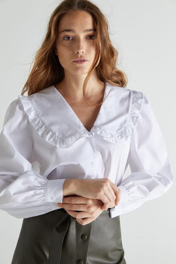 Las camiseras blancas con estilo
